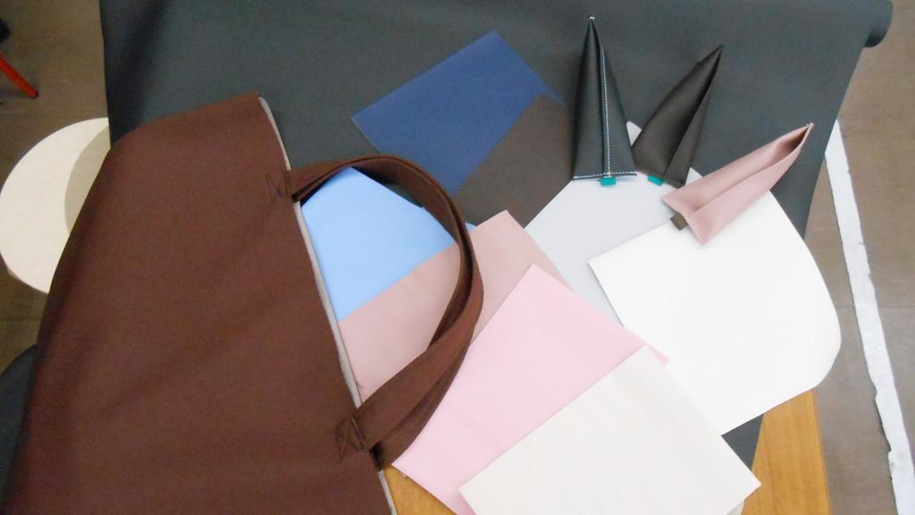 自動車シート工場で、縫製体験をしよう。